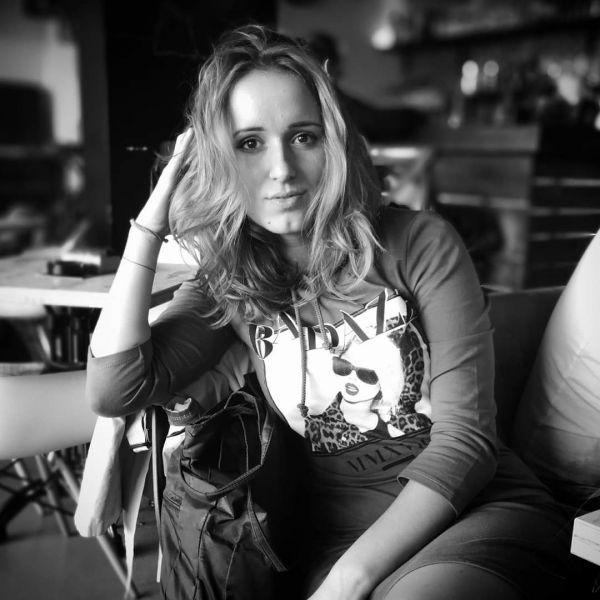 Bebisiterka - 24g, Beograd, dipl glumica, deciji animator, engleski, italijanski