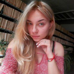Bebisiterka - 22g, Beograd, student, iskustvo sa cuvanjem dece, odgovorna...